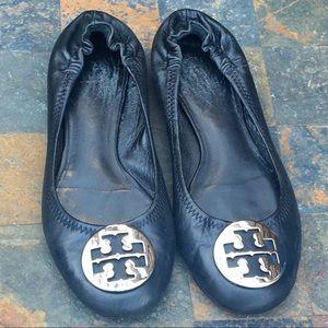 Black Tory Burch Reva Flats w/Silver Emblem Sz 7.5